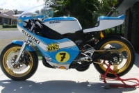 RGV 250 Barry Sheene Replica